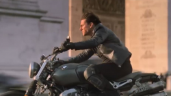 Tom Cruise conduce una BMW NineT Scrambler en Mission Impossible