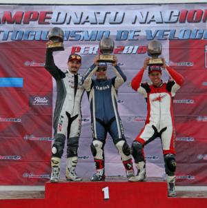 """Carlos """"Pachuco"""" Cecchi Campeón Absoluto de la Categoria 1000 cc en el Campeonato Nacional de Motovelocidad"""